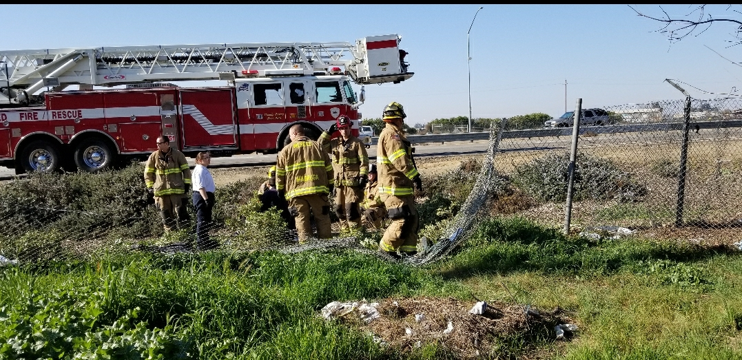 DRIVER LOSES CONTROL NORTHBOUND HIGHWAY 99 IN MERCED - Merced